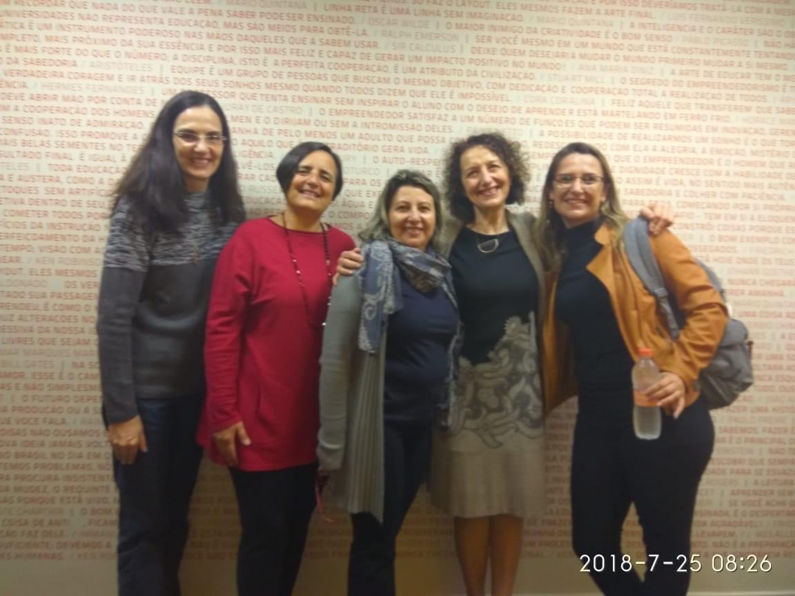 Diretora participa de formação com pedagogas de Reggio Emília