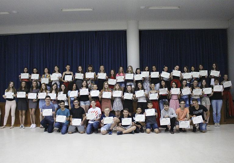 Evento realiza premiação aos alunos destaques de 2019