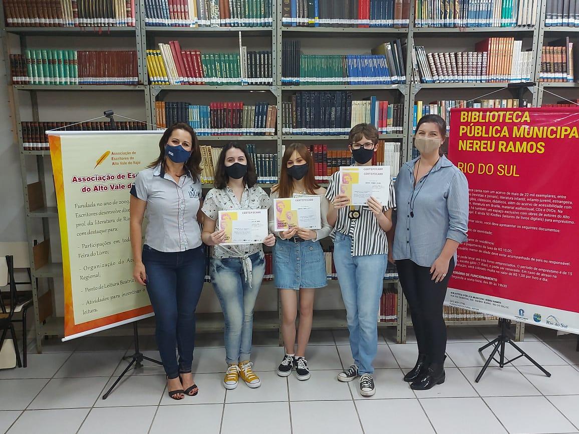 IMA recebe premiações do II Concurso Literário Manoel Karam